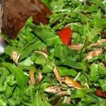 Ensalada de rúcula con tomate y pechuga de pollo - RECETA