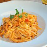 Bavette con salsa de tomate y jengibre - RECETA