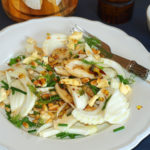 Ensalada de hinojo y queso azul con piñones – RECETA