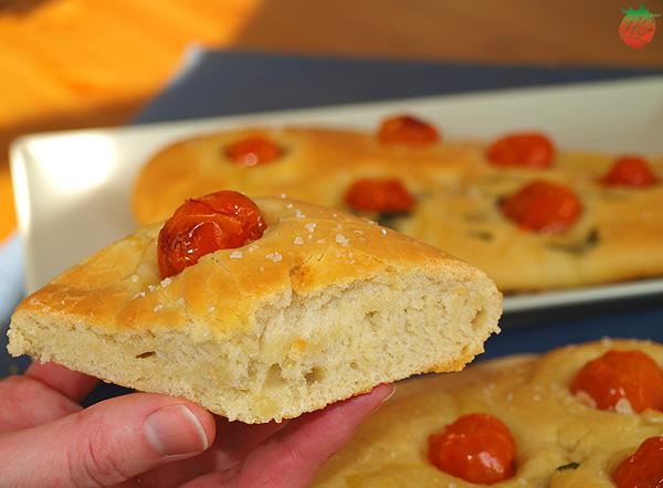 Receta Focaccia de tomate y albahaca HortoGourmet