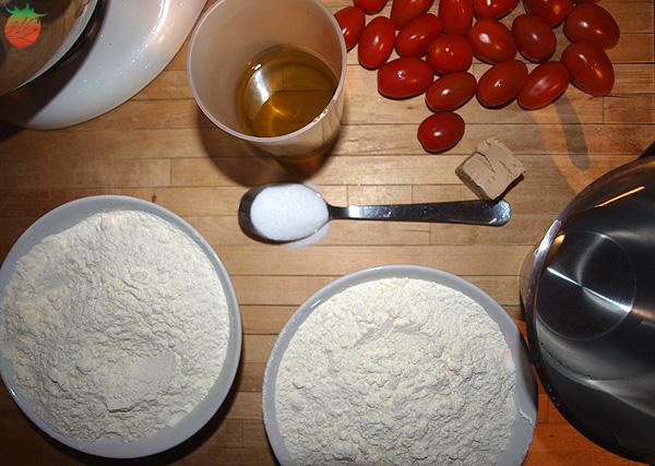 Ingredientes Focaccia de tomate y albahaca