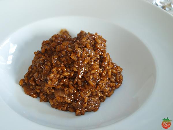 Risotto de ajo negro