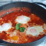 Huevos en salsa de tomate - RECETA