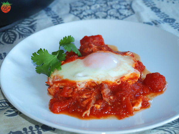 Huevos en salsa de tomate Receta