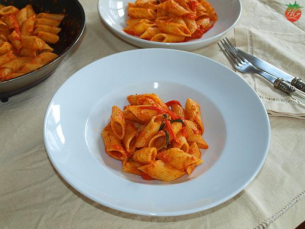 Pasta con tomate y nuez moscada Receta HortoGourmet
